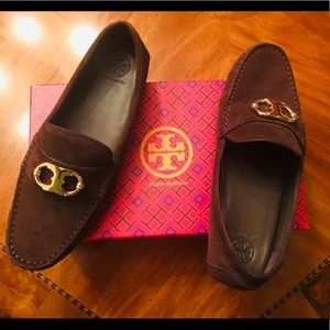 BRAND NEW Tory Burch suede loafers (size 8)